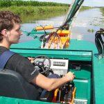 Barca taiat stuf C485 - Pozitia confortabila a operatorului dublata de comenzile ergonomice ale barcii