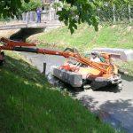 Amfibie Utilitara C580 H - Pontoane laterale reglate hidraulic