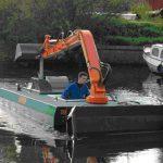 Amfibie Utilitara C625H - Cu bratul in pozitia de transport