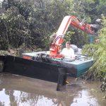 Amfibie Utilitara C625H - pe canal