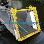 Combina Acvatica MC101 - Cutitul U montat pe marginea benzii transportoare frontale