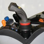 Herder Cavalier • comenzile tip Joystick sunt amplasate ergonomic