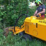 La lucru • Distrugator buturugi si radacini autopropulsat • Herder-Fermex SCW-410H